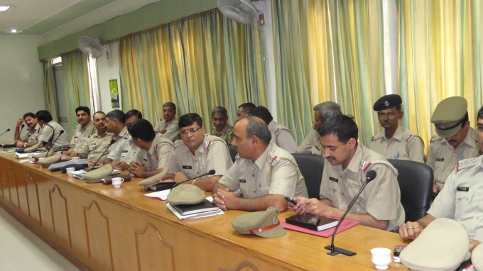 CAMPAIGN WITH GURGAON POLICE ON THE OCASSION OF CHILDLINE SE DOSTI CAMPAIGN