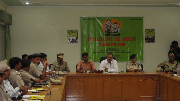 SHRI SS DESWAL COMMISSIONER OF POLICE ADDRESSING THE GURGAON POLICE ON THE OCASSION OF CHILDLINE SE DOSTI CAMPAIGN